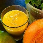 Smoothie mango met honing