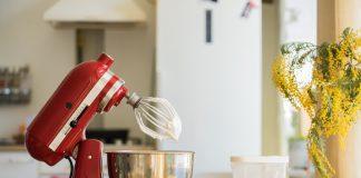 De keukenmachine, een snelle en nauwkeurige hulp in de keuken